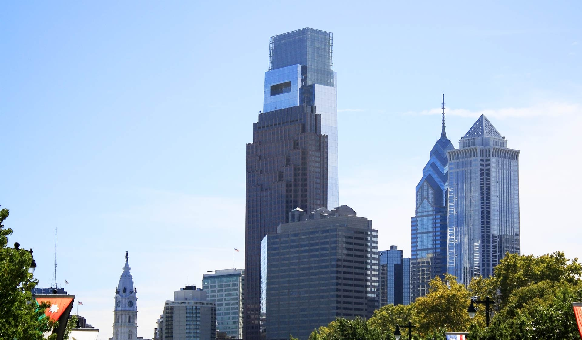 The Sterling Apartment Homes - Philadelphia, PA - Comcast Center